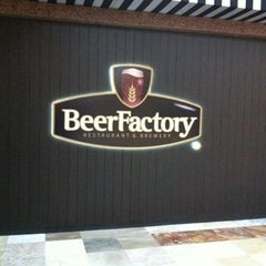 Photo taken at Beer Factory by Alejandro R. on 8/6/2011