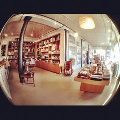 Photo taken at Clic Gallery + Bookstore by alba on 1/31/2012