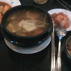 Photo taken at Yoki - Korean Food by Em C. on 9/29/2011