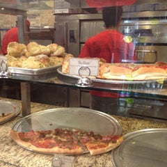Photo taken at Eddie and Sam's Pizza by Dimecio D. on 11/29/2011