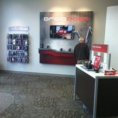Photo taken at Verizon by Mike D. on 9/17/2011