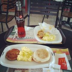Photo taken at McDonald's by Iwudz 🌍 on 5/13/2012