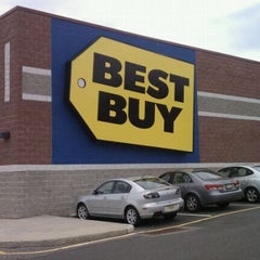 Photo taken at Best Buy by Russell K. on 10/22/2011