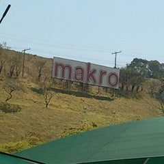 Photo taken at Makro by Flavio S. on 9/7/2011