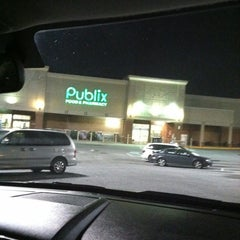 Photo taken at Publix by Teadra T. on 4/13/2012