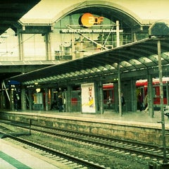 Photo taken at Mainz Hauptbahnhof by Peter C. on 9/8/2011
