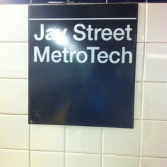 Photo taken at MTA Subway - Jay St/MetroTech (A/C/F/R) by Marcus J. on 7/20/2011