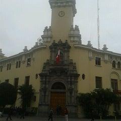 Photo taken at Municipalidad de Miraflores by Javier B. on 8/27/2011