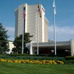 Photo taken at Bethesda Marriott by Myo Hlaing A. on 4/15/2012