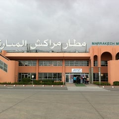 Photo taken at Aéroport de Marrakech Ménara | مطار مراكش المنارة‎  (RAK) by Willem R. on 3/28/2012