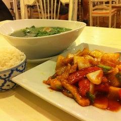 Photo taken at Country Kitchen (คันทรี่ คิทเช่น) by วีล่าดิงดิง on 8/18/2012