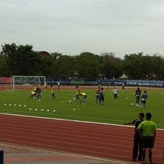 Photo taken at สนามกีฬาจังหวัดพระนครศรีอยุธยา by ttop t. on 7/7/2012