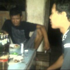 Photo taken at Warung Kopi & Nasi Pecel Kembangan Lor by iwan M.D T. on 3/20/2012