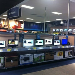 Photo taken at Best Buy by Emiliano H. on 8/21/2012