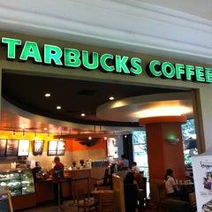 Photo taken at Starbucks by Johan Tan on 6/4/2012