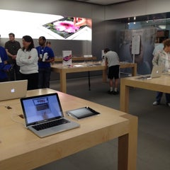 Photo taken at Apple Store, Oxmoor by Nicole D. on 3/17/2012