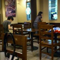 Photo taken at Starbucks Coffee アトレ秋葉原1店 by osawa k. on 9/15/2011