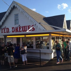 Photo taken at Ted Drewes Frozen Custard by Andria M. on 6/3/2012