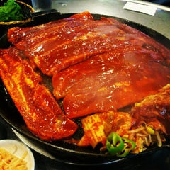 Photo taken at Honey Pig Gooldaegee Korean Grill by Aenok S. on 9/2/2012