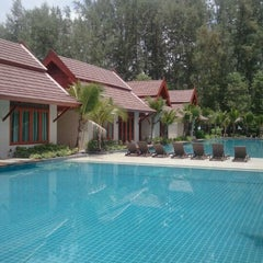 Photo taken at Lesprit De Naiyang Boutique Resort by Prasong U. on 9/3/2011