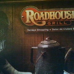 Photo taken at Roadhouse Grill by Vinicius N. on 4/24/2012