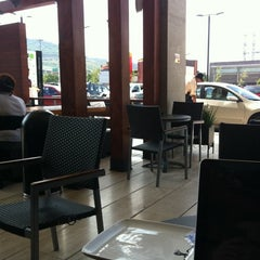 Photo taken at Starbucks by Paco J. on 8/27/2011