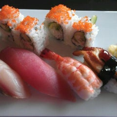 Photo taken at Dozo Japanese Sushi by Cheryl H. on 8/31/2011