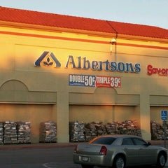 Photo taken at Albertsons by Charles G. on 11/28/2011