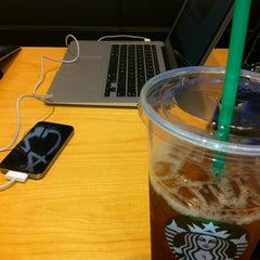 Photo taken at Starbucks by Janice E. on 7/12/2012