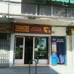 Photo taken at Estanco Nº 605 by Raúl F. on 4/10/2011