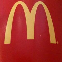 Photo taken at McDonald's / McCafé by Loh C. on 12/25/2010
