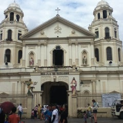 Photo taken at Minor Basilica of The Black Nazarene (Quiapo Church) by Marvin M. on 1/11/2012
