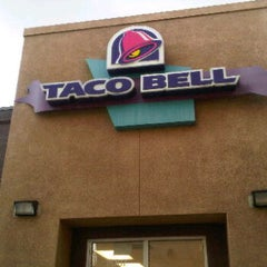 Photo taken at Taco Bell by JOY L. on 11/6/2011