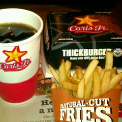 Photo taken at Carl's Jr. by Kenny T. on 9/3/2011