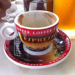 Photo taken at Elephant Bean Cafe by How . on 12/12/2011