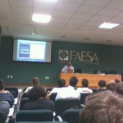 Photo taken at Faculdades Integradas Espírito-Santenses (FAESA) by Huxley D. on 11/8/2011