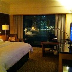 Photo taken at Mandarin Oriental, Singapore by เจ้าทุย on 6/25/2012