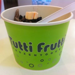 Photo taken at Tutti Frutti by 👑Vincent T. on 3/8/2012
