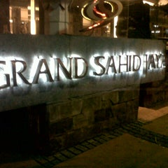 Photo taken at Grand Sahid Jaya by deni e. on 9/1/2012