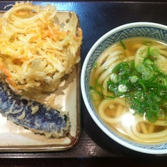 Photo taken at すなだ どんどん 箱崎T-CAT店 by M S. on 2/16/2012