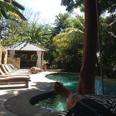 Photo taken at Moana Lodge by Fredrik K. on 1/8/2012