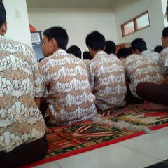 Photo taken at SMA Negeri 19 Surabaya by Faris Zakaria on 2/17/2012