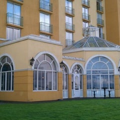 Photo taken at Embassy Suites by Hilton San Francisco Airport Waterfront by Stas G. on 10/11/2011