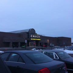 Photo taken at Emagine Rochester Hills by Jon R. on 12/21/2010