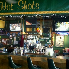 Photo taken at Hot Shots Billiards & Sports Bar by Seth on 9/14/2011