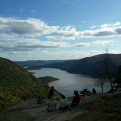 Photo taken at Breakneck Ridge by Alex J. on 10/22/2011