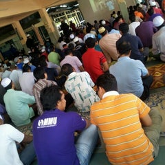 Photo taken at Masjid Nurul Hidayah by Feesyam A. on 1/27/2012