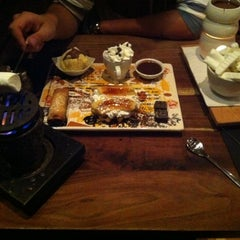 Photo taken at Max Brenner by Alisa D. on 10/16/2011