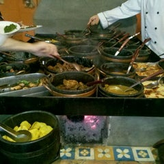 Photo taken at Restaurante Mina d'Água by Marcelo P. on 5/3/2012