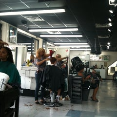 Photo taken at Hairmatics by Sophy B. on 8/6/2011
